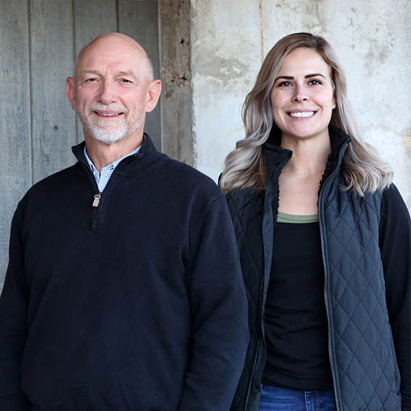 Chiropractor-Shawnee-KS-Mark-Balderston-and-Alissa-Gould-Welcome-to-Our-Office.jpg